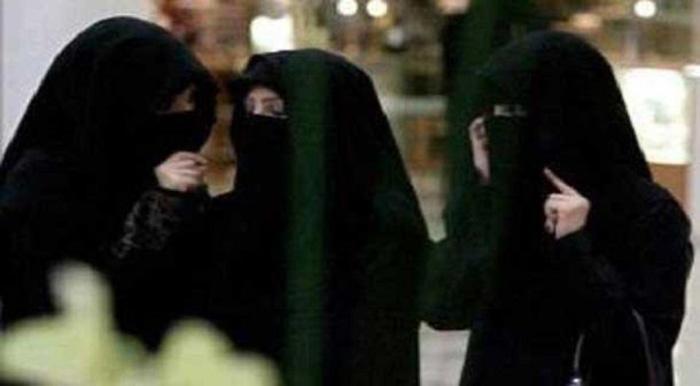 إلزام جامعة لطالباتها بالحجاب يُثير الجدل بمواقع التواصل السعودية