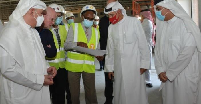 """وزير """"الصناعة"""" البحريني يتفقد مشروع مركز البحرين الدولي للمعارض"""