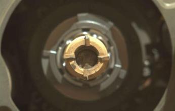 لأول مرة.. مركبة أمريكية تحمل صخوراً من المريخ للأرض عمرها ٣ مليار عام