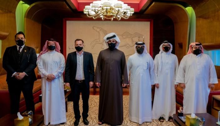 البحرين.. خالد بن حمد يلتقي رئيس منظمة (متحدون من خلال الرياضة)