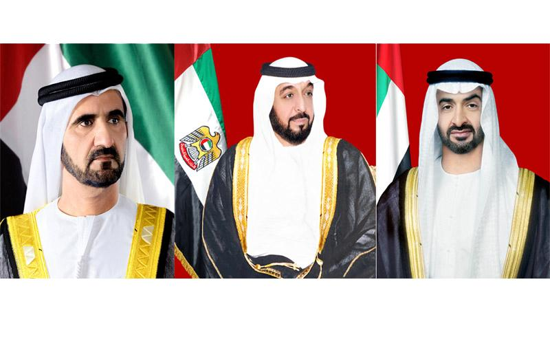 رئيس الإمارات ونائبه ومحمد بن زايد يهنئون خادم الحرمين الشريفين