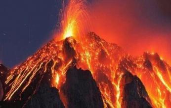 حمم بركانية تبتلع المنازل في جزر الكناري وفرار الآلاف