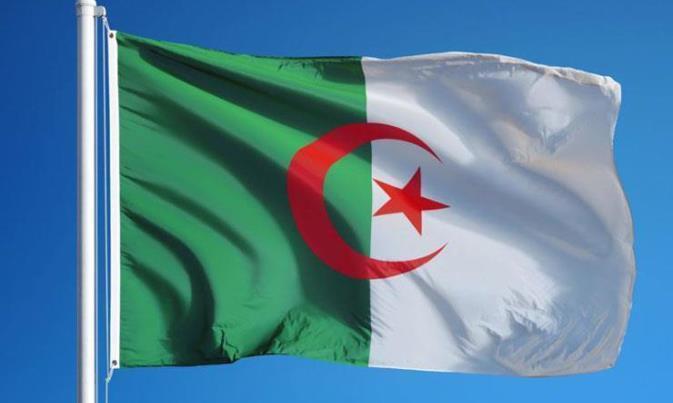 الجزائر تعلن إغلاق المجال الجوي أمام الطيران المغربي من اليوم